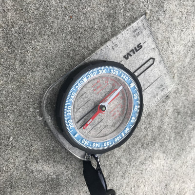course navigation with compass in the wilderness of the Arctic