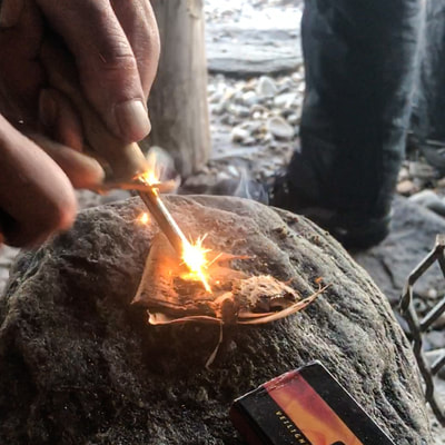 workshop fire making in the northern Europe dutchexplorers
